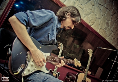 Session Guitarist creativity and great tone